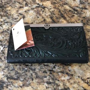 PATRICIA NASH BLACK & GREEN EMBOSSED.LEATHER WALLE